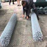 Монтаж и соединение сетки рабицы