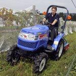 Как управлять мини трактором?