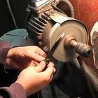 Как заточить нож на электрическом наждаке